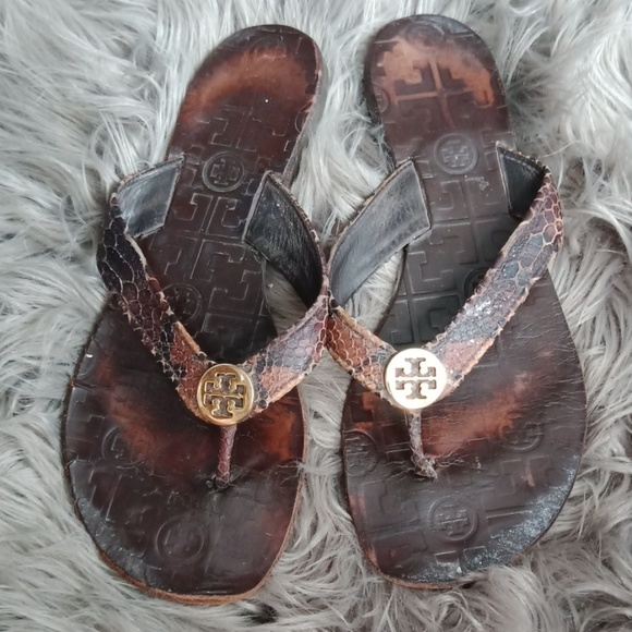 Tory Burch Shoes - Tory Burch   Thora leather flip flops